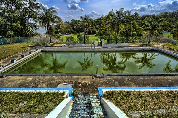 How to restore a pool that has been unused for years aaa for Unused swimming pool