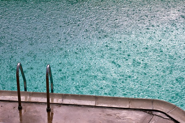 How To Secure Your Pool In A Storm Aaa Pool Service